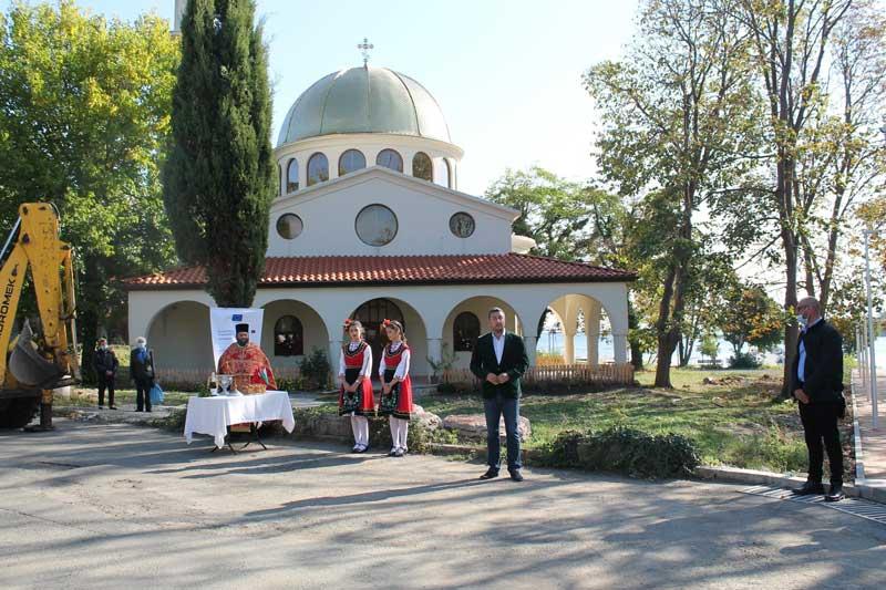 Новата църква в Ахтопол. Крепостта в Ахтопол по-достъпна за туристи
