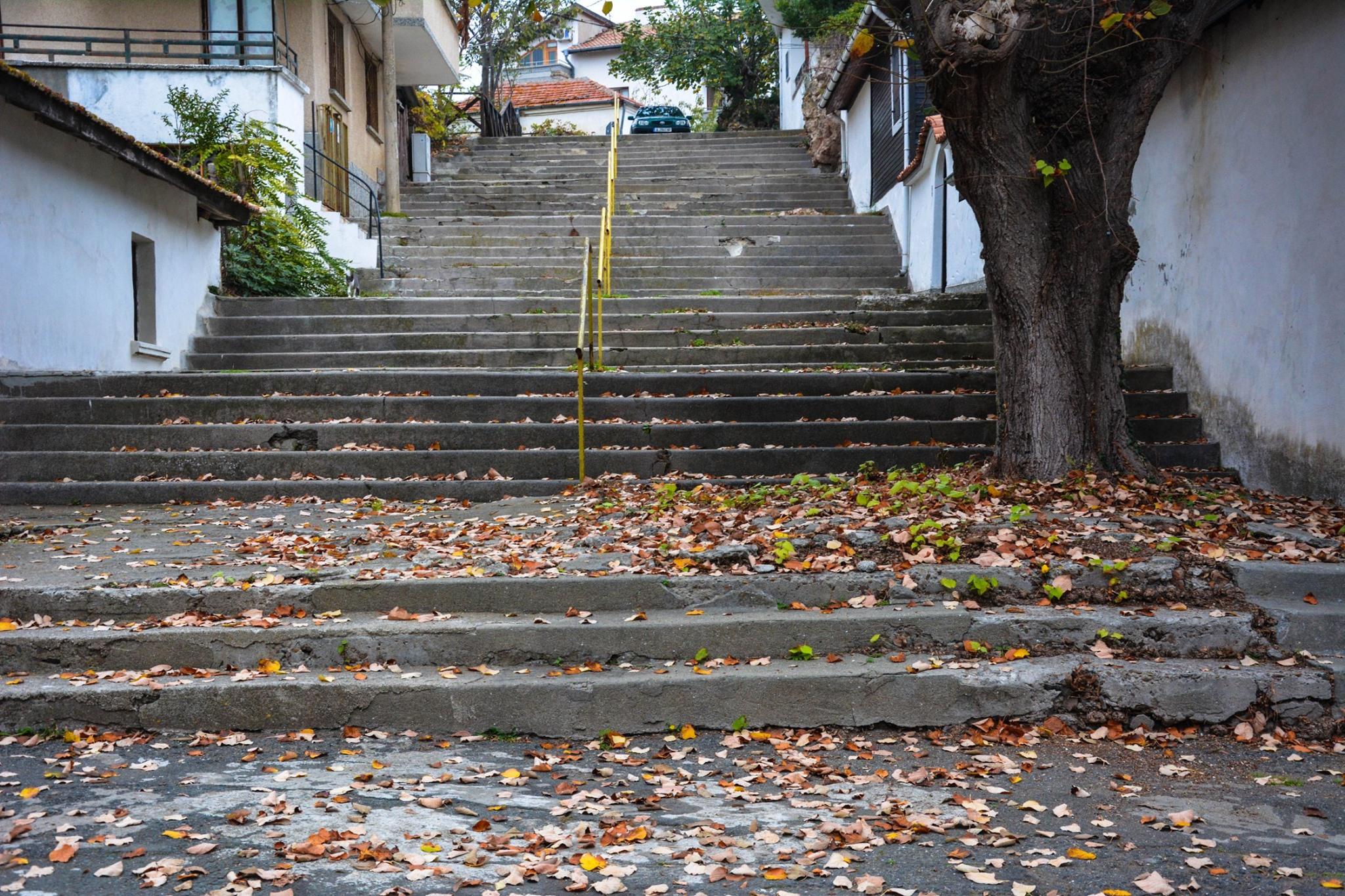 Стълбите в Ахтопол към стария град